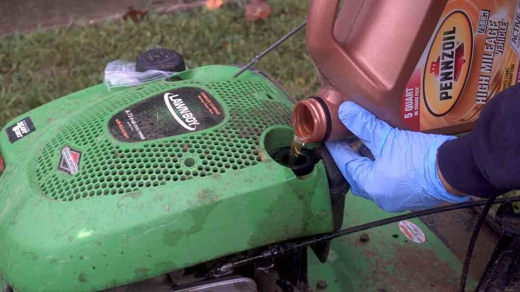 How to change lawn mower oil 3
