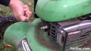 how to change lawn mower spark plug 2
