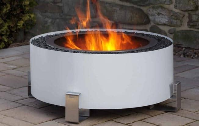 breeo luxeve fire pit in white